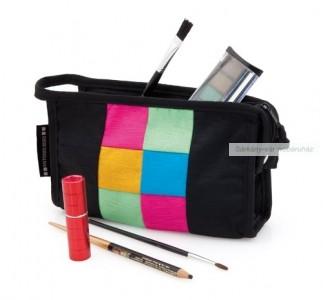 Kozmetikai táska, színes